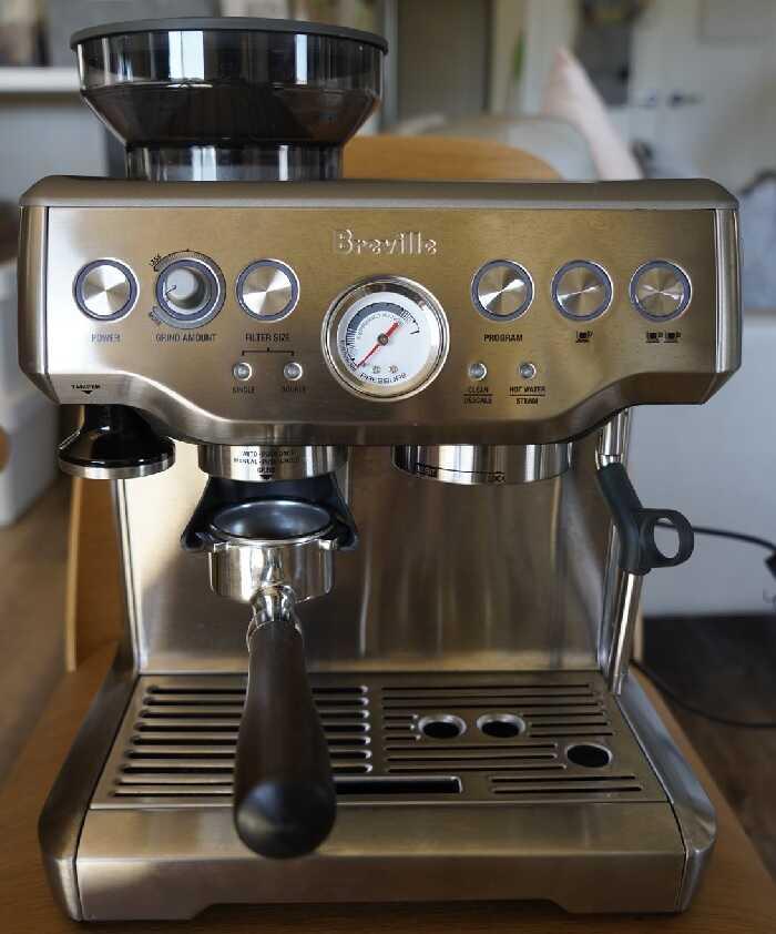 Delonghi Esam3300 Vs Breville BES870XL